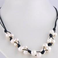 Collar perlas cultivadas, cuero y cierre Plata de Ley